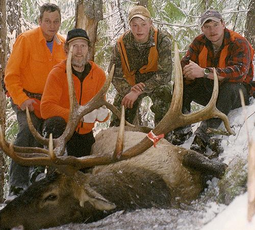 Rifle Elk and Deer Hunt - Chases Big Bull
